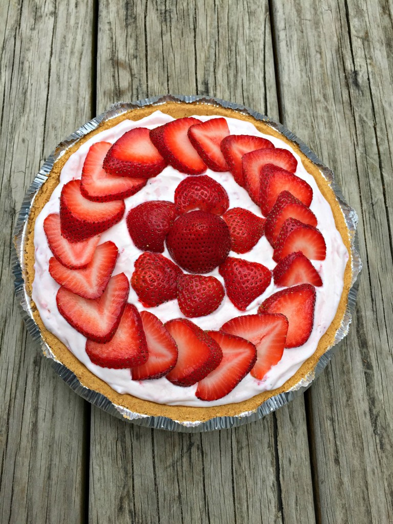 No Bake Strawberry Pie - Chocolate Slopes